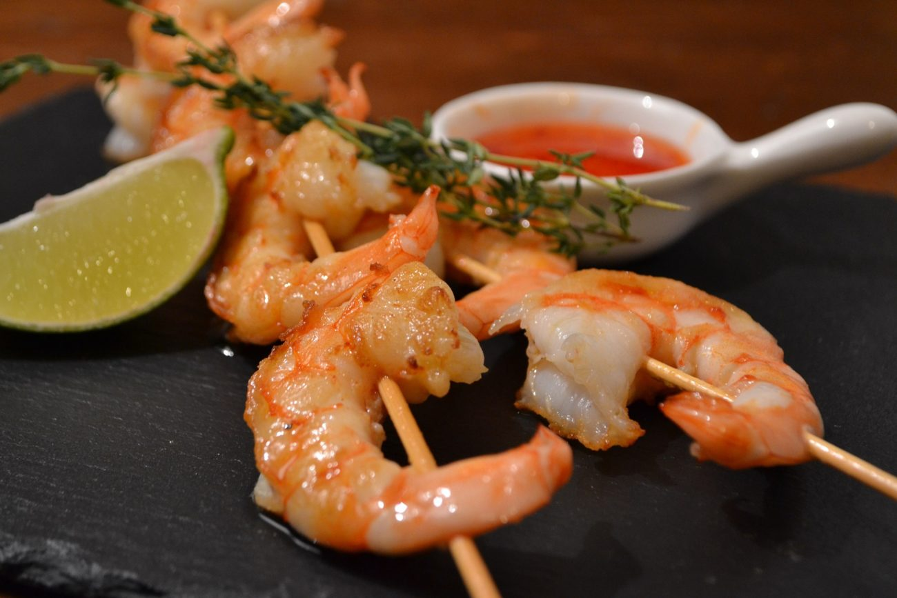 Brochettes de crevettes coriandre-gingembre